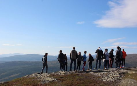 12th Graders Freezing but Smiling in Åre