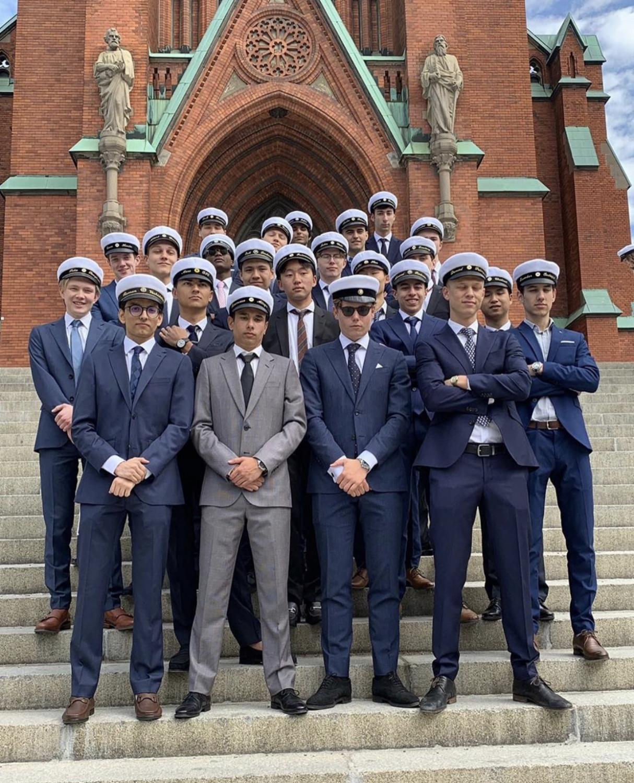 The+male+graduates