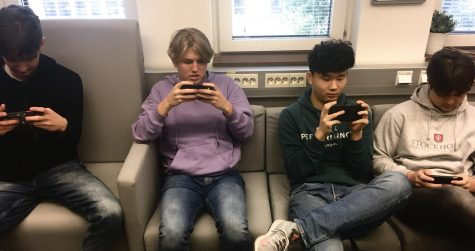 Students on phones